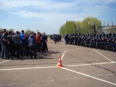 25 апреля милицией Житомирщины были проведены учения по разгону футбольных фанатов 6088_10270865045f07db405cafdf5286552f