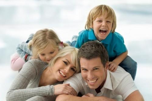 650px-Happy_family.jpg