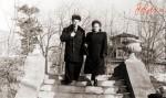 А в нашем парке старом все также ходят пары...