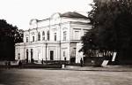 Здание бывшего городского театра. Фото 1965 года