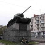 Танк на площади Победы